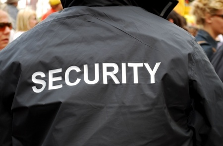 Hiring a Security Guard for your Store this Holiday Season | LawDog Security